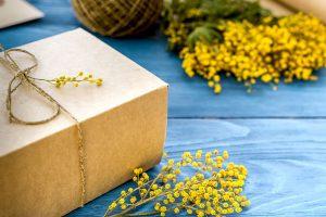 春のギフト、ミモザアカシアのインテリア-育て方も紹介