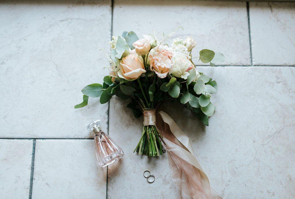 ジューンブライド-6月の結婚式に人気の花11選&装花の頼み方